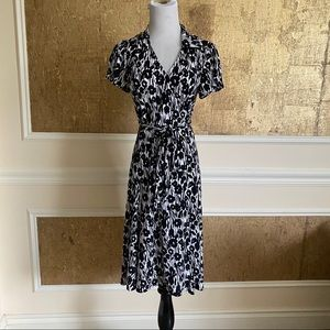BCBGMaxAzaria black white  wrap midi dress MP
